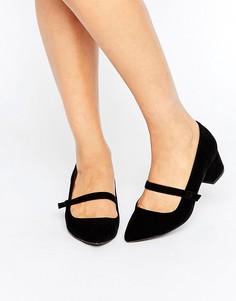 Туфли на низком каблуке с ремешком Miss KG - Черный