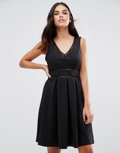 Короткое приталенное платье с отделкой лесенка Girl In Mind Kristin - Черный