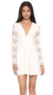 Платье с длинными рукавами и завышенной талией Stylestalker