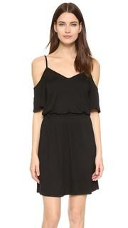 Платье с открытыми плечами Bella