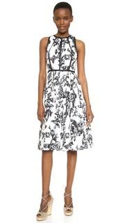 Платье с модифицированной американской проймой Lela Rose