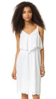 Платье с накладным элементом и остроугольным подолом Wayf