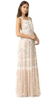 Вечернее платье с декоративной отделкой и манишкой Needle & Thread