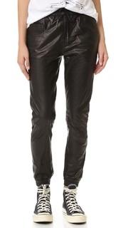 Узкие брюки для бега из кожи в мужском стиле R13