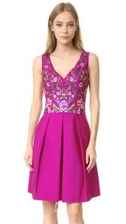 Коктейльное платье с цветочной вышивкой Marchesa Notte