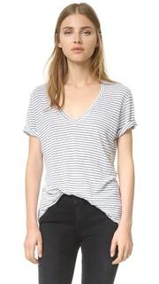 Полосатая футболка с узким V-образным вырезом Monrow