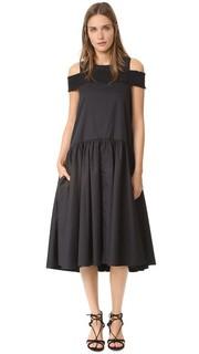 Платье с открытыми плечами и присборенной резинкой Tibi