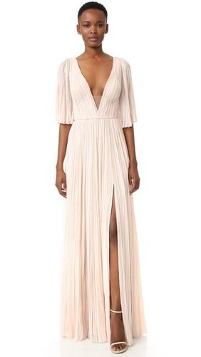 Плиссированное вечернее платье с глубоким V-образным вырезом