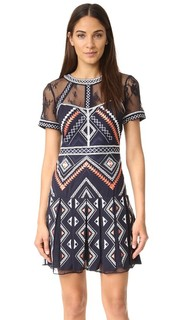 Платье Ellie Parker