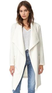 Пальто Alana из текстурированного трикотажа с запахом Cupcakes and Cashmere