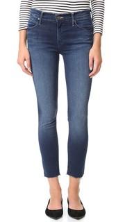 Укороченные джинсы Charmer с двойной потрепанной отделкой Mother
