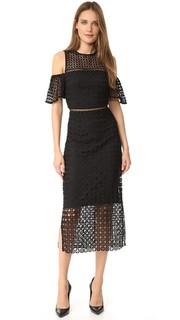 Платье с открытыми плечами и геометрическим рисунком Cynthia Rowley