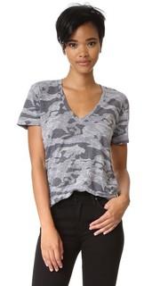 Объемная камуфляжная футболка Granite с V-образным вырезом Monrow