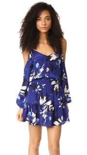 Платье с открытыми плечами Yumi Kim