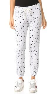 Классические спортивные брюки с черными звездами Sundry