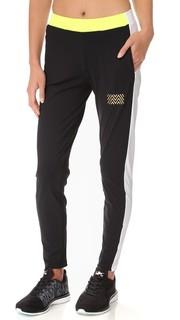 Тренировочные брюки с боковыми вставками Monreal London
