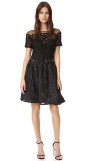 Коктейльное платье из парчи Marchesa Notte