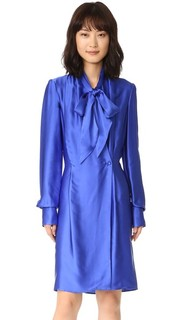Атласное платье-халат с запахом спереди Gareth Pugh