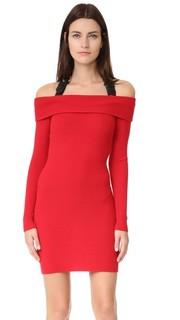 Платье с открытыми плечами Moschino