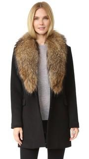 Шерстяное пальто со съемным меховым воротником Doma