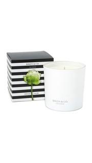 Свеча с ароматом травы и мускуса Biren & Co.