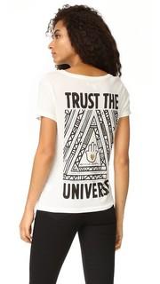 Футболка с овальным вырезом Trust the Universe Spiritual Gangster