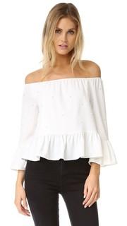 Блуза с открытыми плечами и искусственным жемчугом English Factory
