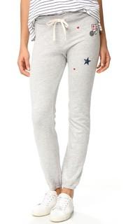 Спортивные брюки с нашивками Sundry