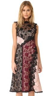Соблазнительное платье-футляр Nanette Lepore