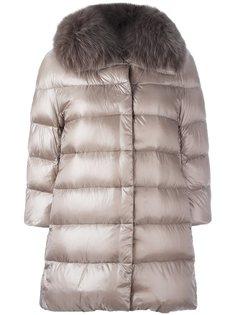 стеганое пальто с воротником из лисьего меха Herno