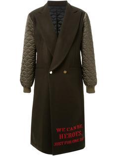 пальто с вышитой цитатой 'Heroes' DressCamp