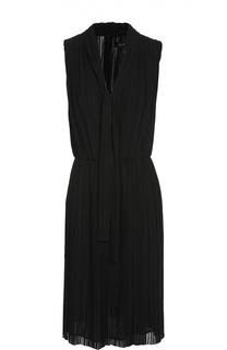Плиссированное приталенное платье без рукавов St. John