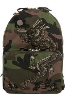 Рюкзак  с камуфляжным принтом и вышивкой Valentino