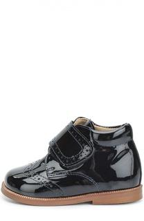 Лаковые ботинки с перфорацией Clarys