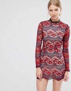 Кружевное платье с высокой горловиной Love & Other Things - Красный
