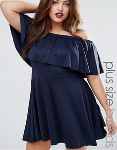 Короткое приталенное платье с открытыми плечами и оборкой Praslin Plus - Темно-синий