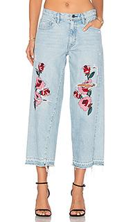 Свободные укороченные джинсы с вышивкой - Frankie
