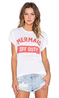 Футболка с рисунком mermaid off duty - The Laundry Room