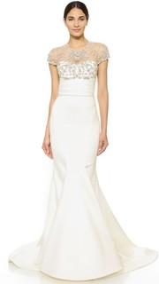 Атласное вечернее платье с подолом «рыбий хвост» и украшенным камнями лифом Marchesa