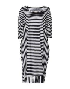 Платье до колена ......Essential