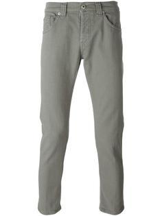 зауженные к низу джинсы Dondup