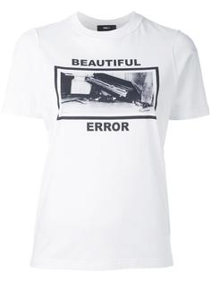 футболка 'Beautiful error' Yang Li