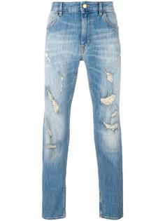джинсы с потертой отделкой Love Moschino