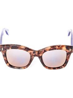 солнцезащитные очки в квадратной оправе Fendi