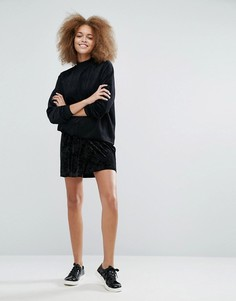 Бархатная мини-юбка с запахом Monki - Черный