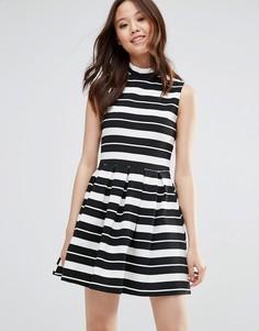 Короткое приталенное платье в полоску Wal G - Черный