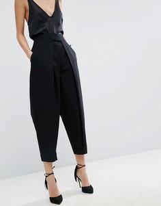 Джинсы в винтажном стиле со складками спереди ASOS WHITE - Черный