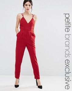 Комбинезон с глубоким вырезом True Decadence Petite - Красный