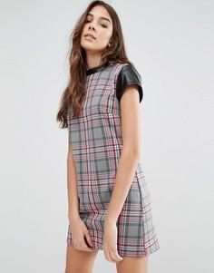 Цельнокройное платье в клетку Wal G - Розовый