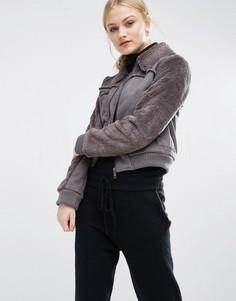 Укороченная куртка из искусственной овечьей шерсти J.O.A - Коричневый